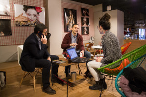 Javier Salas, Jordi Gómez y Teresa Iriarte. Grupo Init