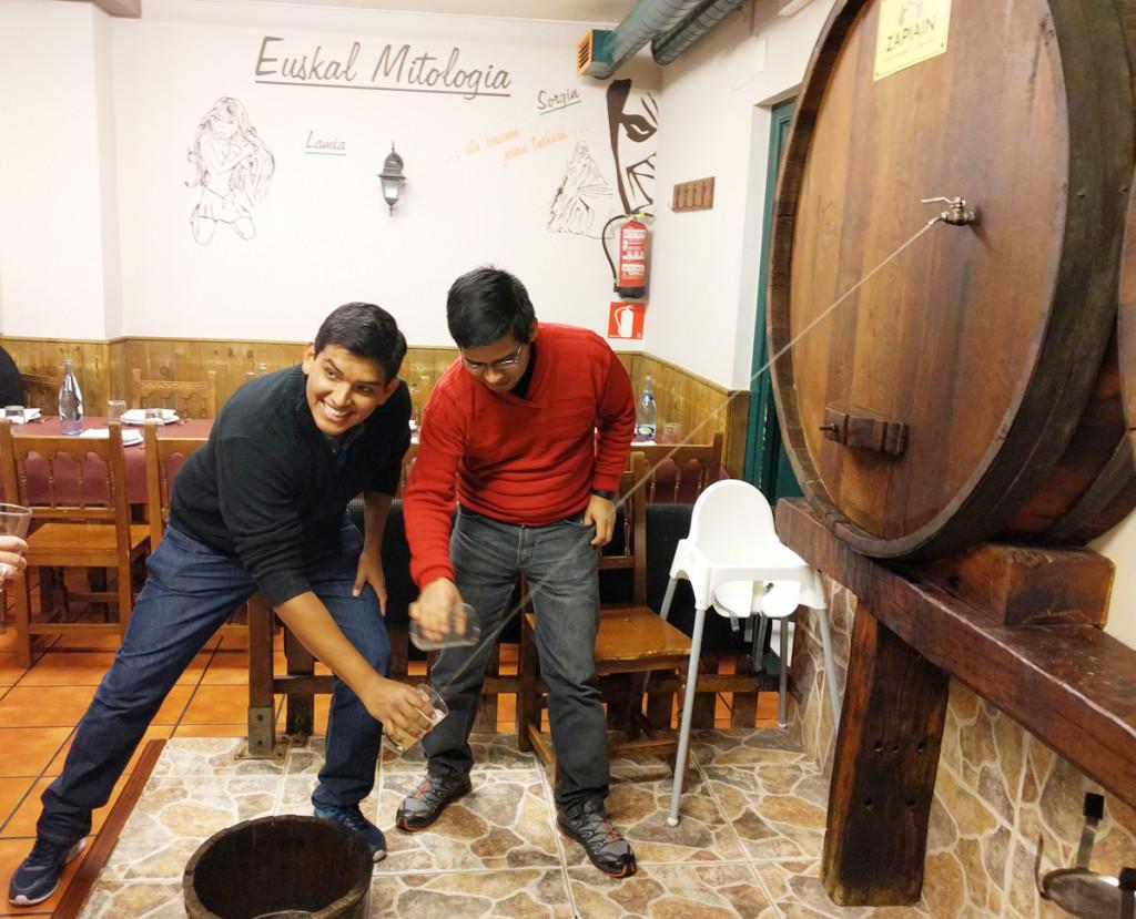 Marcelo y Ezequiel init Services