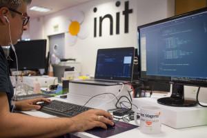 Init Services co-organiza Mage Titans